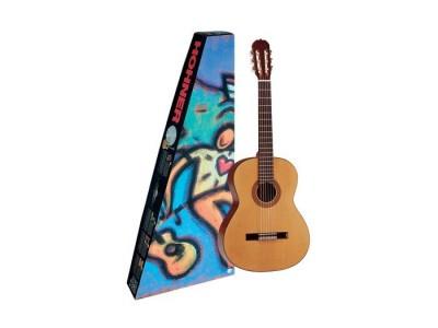 Hohner HC 06-n. natural. full size classical guitar