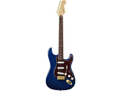 Fender Deluxe Players Strat Rosewood Fretboard. Saphire Blue Transparent