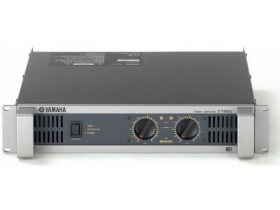 Yamaha P7000S *